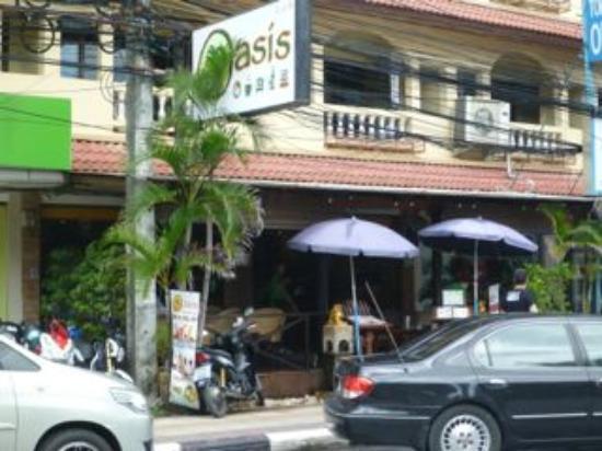 Oasis Restaurant: The Oasis on the main street