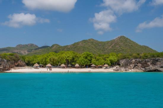 Poppy Hostel Curacao: Playa Kenepa Grandi, Bandabou (Grote Knip is on the west side of Curacao)