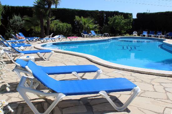 Piscina picture of hotel rocatel canet de mar tripadvisor for Piscina vilassar de mar