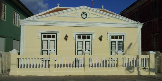 Facade of Poppy Hostel Curacao (taken from Mgr. Niewindtstraat)