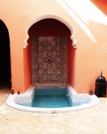 Riad La Perle de Marrakech: La petite piscine.