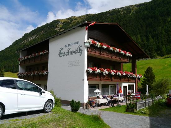 Pension-Gastehaus Edelweiss