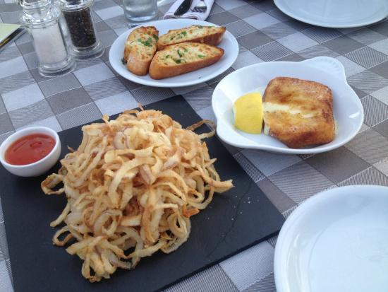 Nostos Restaurant: Fried onion, saganaki chees