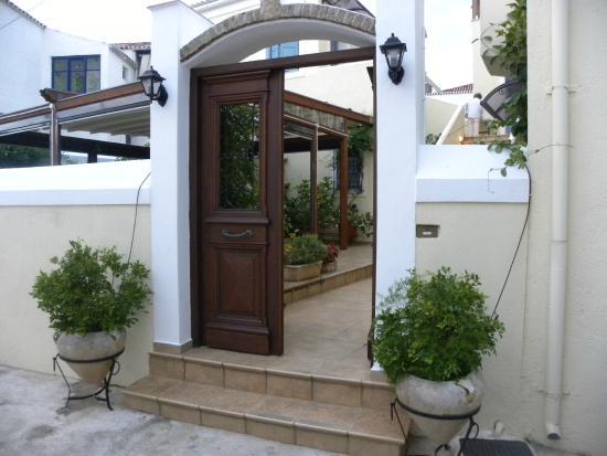 Guesthouse Niriides : The Niriides door