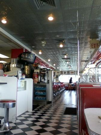 DJ's 50's and 60's Diner: Inside the Diner