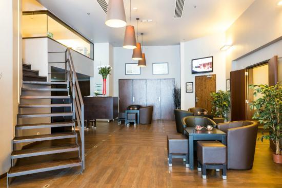 Hotel Chambord: Lobby