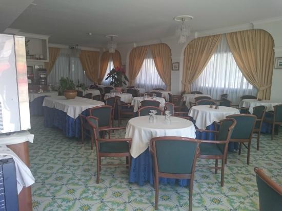 Hotel Montana: Dining room