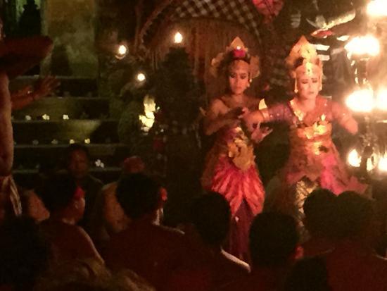 Pura Dalem Bentuyung Temple: Balinese Dancers
