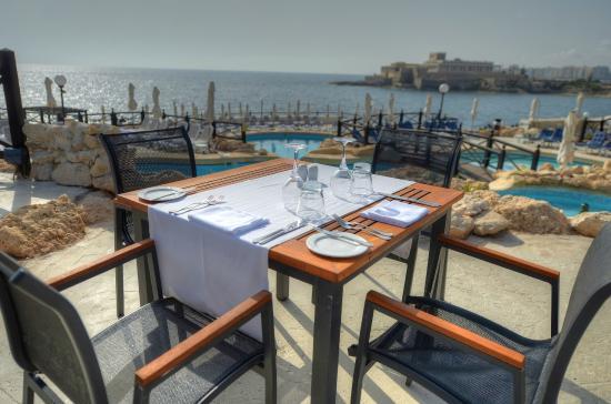 Hotel bar Radisson Blu Resort Malta St. Julians