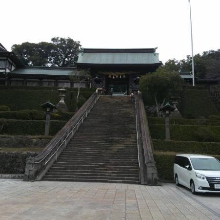 Suwa Shrine : 無料駐車場有ります。