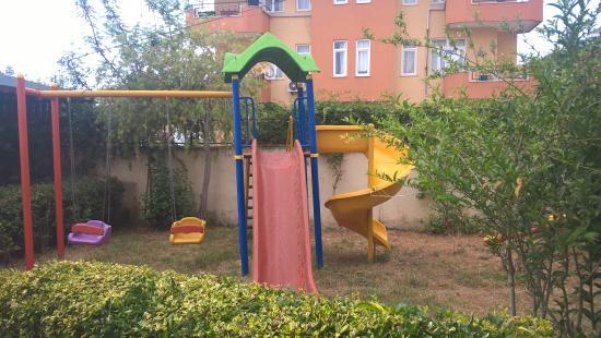 Ozgurhan Hotel: Детская площадка