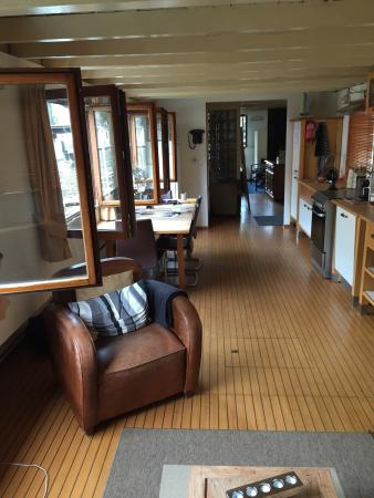 The Guest-Houseboat: photo1.jpg