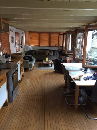 The Guest-Houseboat: photo2.jpg