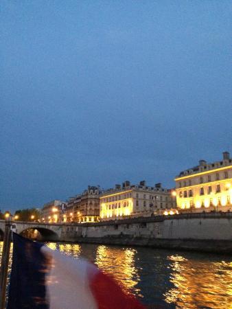 Париж, Франция: Along the Seine