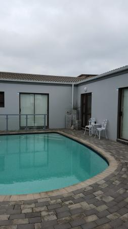 Le Blue Guesthouse : Rooms overlooking the pool