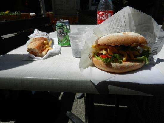 La Maison du Burger LMB: Hamburger & Chicken sandwich