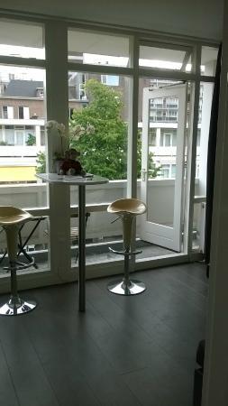 citystudios: dining area