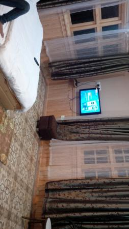 Himalayan Residency: spacious suite rooms