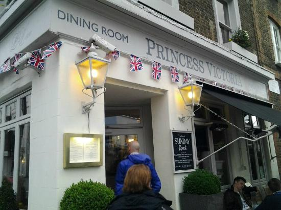 Princess Victoria Kensington: En liten men god restaurant i Kensington