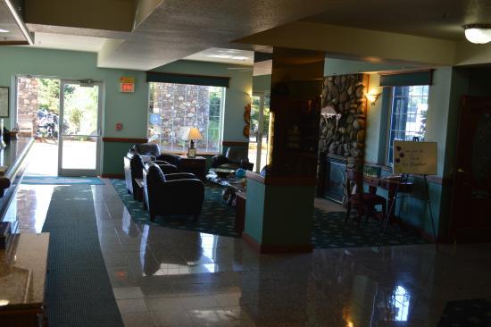 Ashley Inn and Suites: Lobby