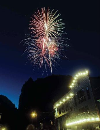 Creede, Kolorado: Fireworks above the Mainstage Theatre
