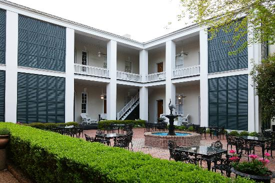 Monmouth Historic Inn & Gardens Natchez