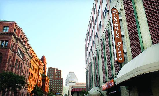 Photo of Riverwalk Plaza Hotel & Suites San Antonio