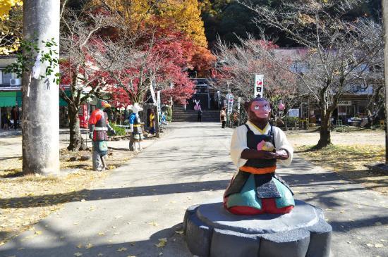 Momotaro Shrine: โมโมทาโร่