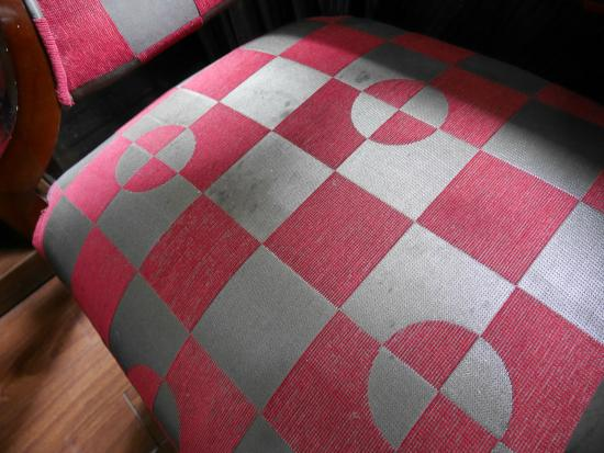 Hanoi Ciao Hotel: blemished chair