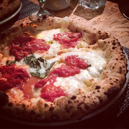 Торре-диль-Греко, Италия: Pizza gourmet buonissima