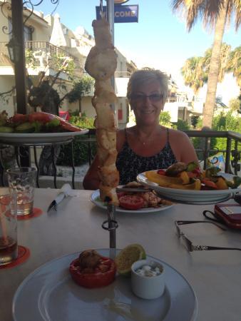 Club Aphrodite Erimi: Yummy chicken kebab