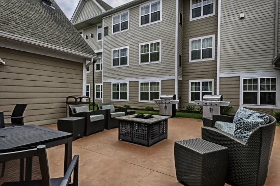 Residence Inn Mt. Laurel at Bishop's Gate: Fire Pit