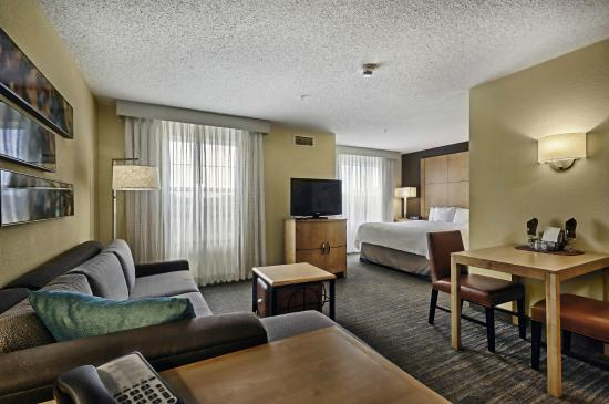 Residence Inn Mt. Laurel at Bishop's Gate: Studio Guestroom