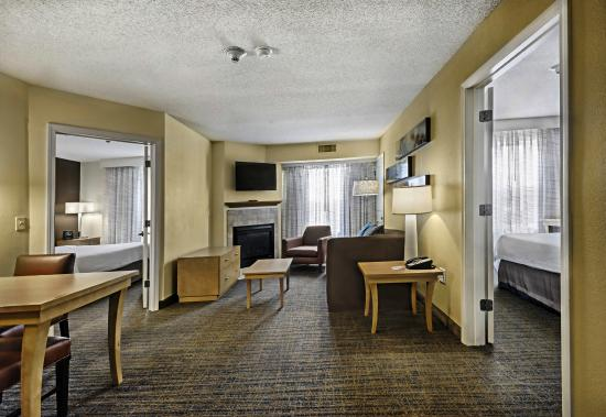 Residence Inn Mt. Laurel at Bishop's Gate: Two Bedroom Guestroom