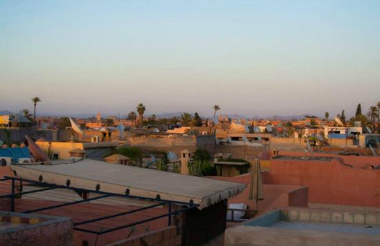 Dar Taliwint : View from the roof, evening.