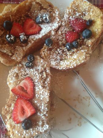 Ely, MN: French Toast