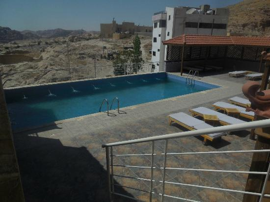 Petra Moon Hotel: Pool