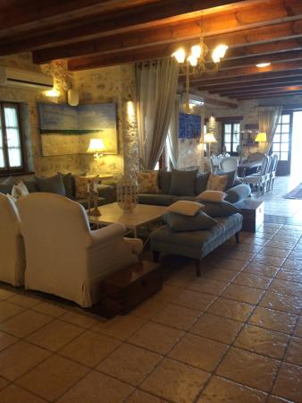 Porto Vitilo Boutique Hotel: The lobby