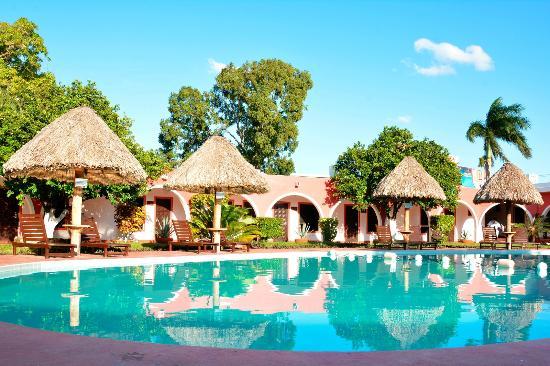 Hotel Hacienda Inn: Alberca