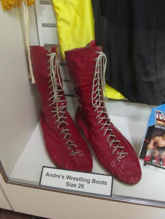 What Size Shoe Does Andre The Giant Wear