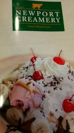 Newport Creamery Restaurant: Ice Cream Sunday