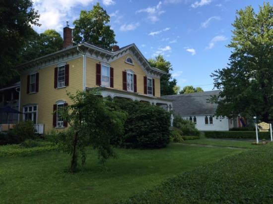 1868 Crosby House: Crosby Bed & Breakfast