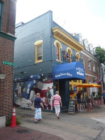 King Street Blues: You can't miss it, just 50 yards off King St