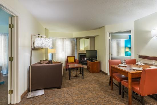 Residence Inn Charlotte SouthPark: Two Bedroom Suite