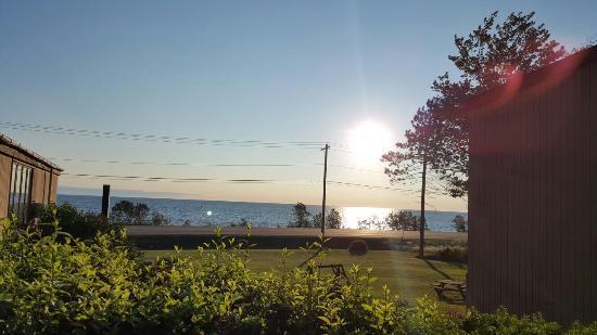 Birchmont Motel: Beautiful sunrise