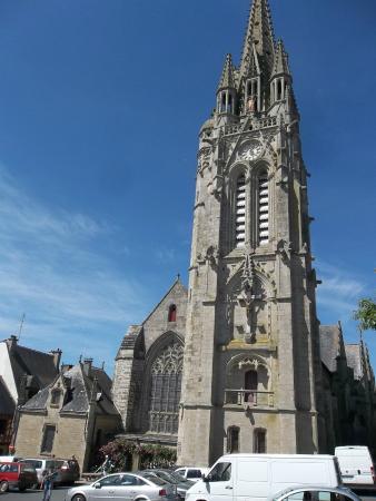 Basilique Notre Dame du Roncier : eglise josselin