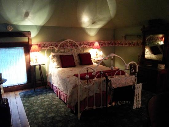 Highlawn Inn: hard bed