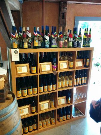 Billsboro Winery: wine display