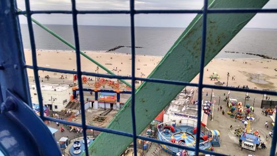 Deno's Wonder Wheel Park : Views from the Wonderwheel.
