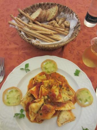 La Campana: I ordered a pasta dish, and this is what I was served. (See my review.)